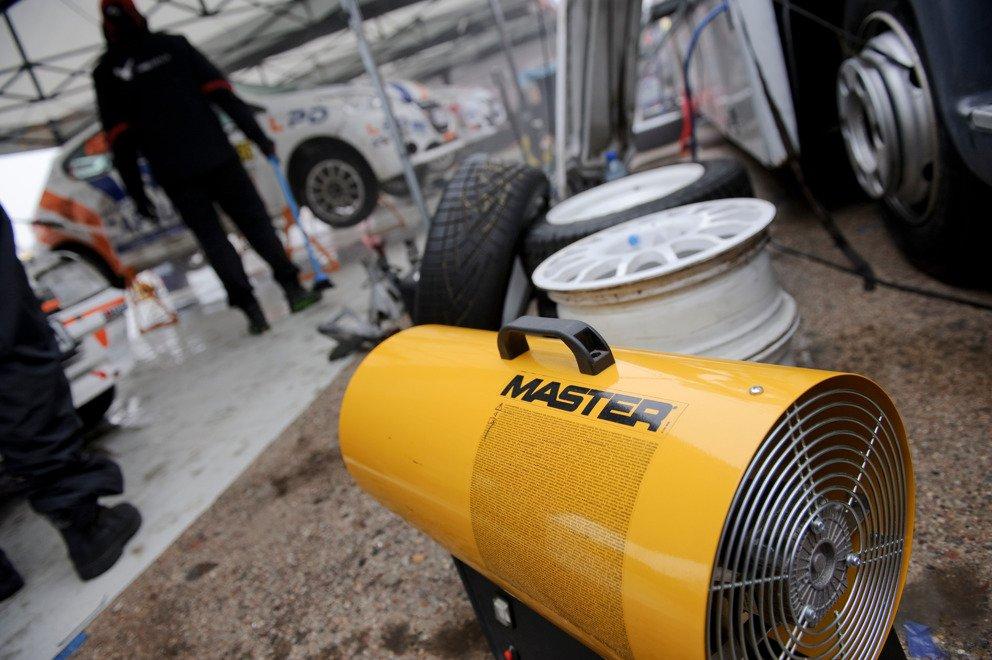 Nagrzewnica gazowa Master BLP 53M - zastosowanie w garażu
